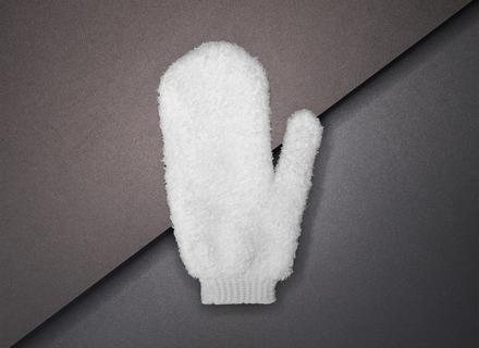 Fluffy ultra-soft makeup remover glove